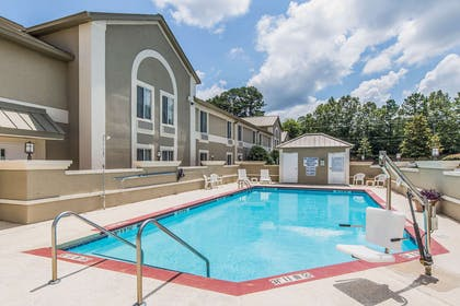 Relax by the pool | Comfort Inn & Suites Greenwood near University