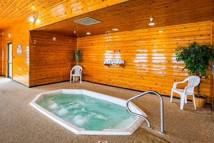 Relax in the hot tub | Quality Inn Mitchell