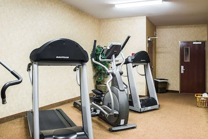 Fitness center | Quality Inn & Suites Airport North