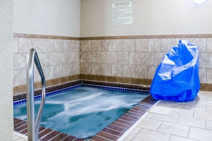 Indoor pool | Quality Inn & Suites Airport North