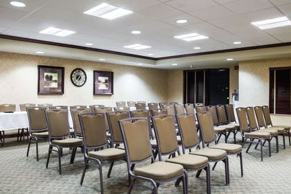 Meeting room | Quality Inn & Suites Airport North