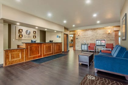 Front desk | Comfort Inn And Suites