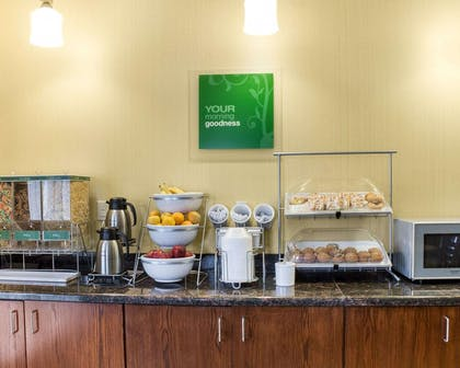 Assorted breakfast items | Comfort Suites