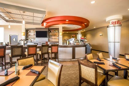 Enjoy breakfast in this spacious area | Cambria Hotel Rapid City near Mount Rushmore