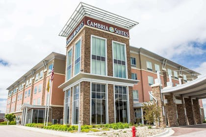 Cambria Hotel and Suites located in Rapid City, SD | Cambria Hotel Rapid City near Mount Rushmore