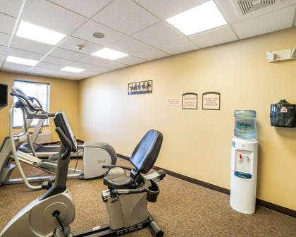 Exercise room | MainStay Suites