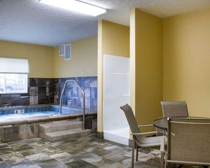 Relax in the hot tub | Econo Lodge
