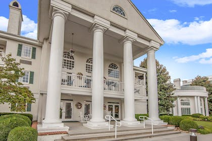 Hotel exterior | Clarion Inn Willow River
