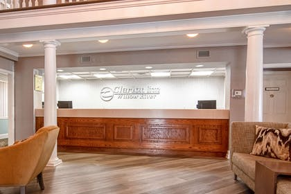 Front desk | Clarion Inn Willow River