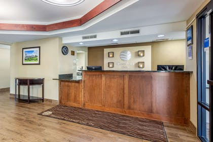 Front desk | Comfort Inn Lenoir City