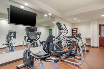 Exercise room | Comfort Inn Lenoir City