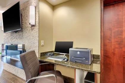 Business center | Comfort Inn Lenoir City