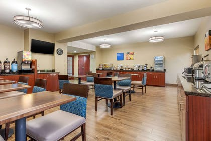 Breakfast area | Comfort Inn Lenoir City