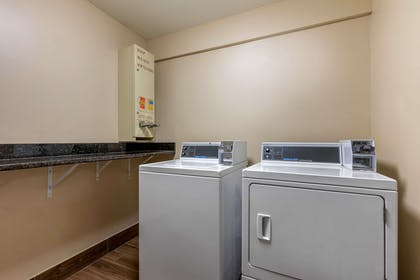 Guest laundry facilities | Comfort Inn Lenoir City
