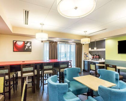 Enjoy breakfast in this seating area | Comfort Suites Cookeville