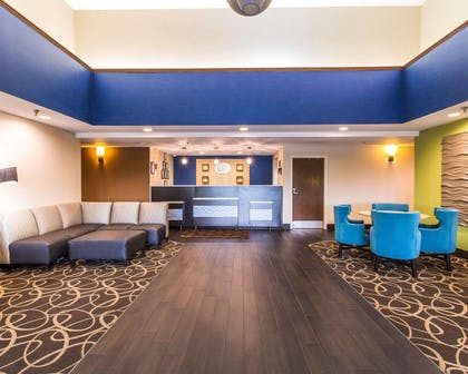 Spacious lobby | Comfort Suites Cookeville