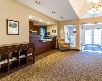 Hotel lobby | MainStay Suites Brentwood