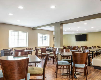 Enjoy breakfast in this spacious area | MainStay Suites Conference Center