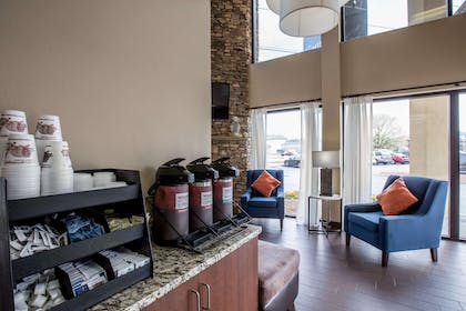 Enjoy coffee in the lobby | Comfort Inn & Suites At Dollywood Lane