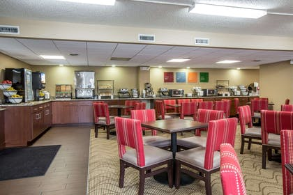 Enjoy breakfast in this seating area | Comfort Inn & Suites At Dollywood Lane