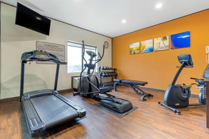 Exercise room | Comfort Suites Johnson City
