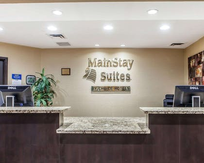 Front desk with friendly staff | Mainstay Suites Chattanooga
