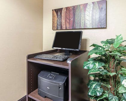 Business center with free wireless Internet access | Mainstay Suites Chattanooga