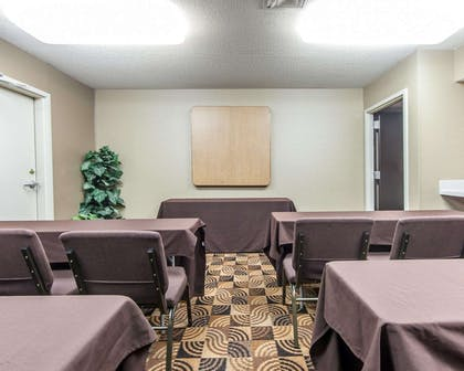 Meeting room | Mainstay Suites Chattanooga