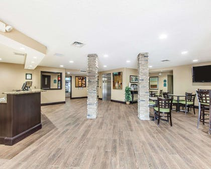 Spacious lobby | Mainstay Suites Chattanooga