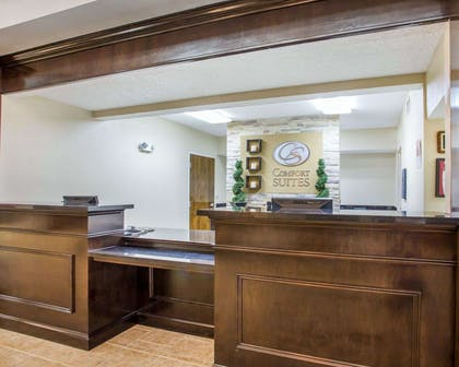 Front desk with friendly staff | Comfort Suites Lebanon