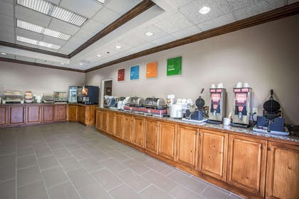Free continental breakfast | Comfort Suites Mountain Mile Area