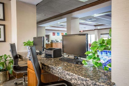 Business center with high-speed Internet access | Comfort Suites Mountain Mile Area