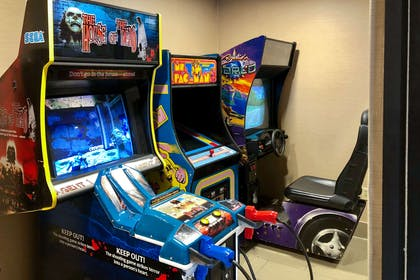Game room | Comfort Suites Mountain Mile Area
