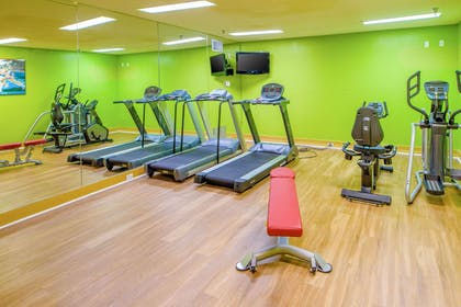 Fitness center | Quality Suites Near Wolfchase Galleria