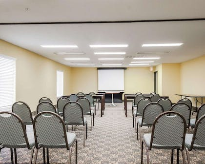 Large space for receptions, parties, anniversaries and business meetings | Quality Suites Near Wolfchase Galleria