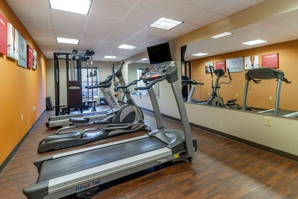 Exercise room with cardio equipment | Comfort Suites Knoxville West - Farragut