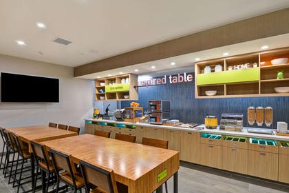 Restaurant | Home2 Suites by Hilton Palmdale
