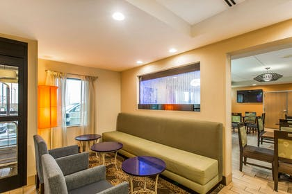 Lobby with sitting area | Comfort Inn & Suites Cookeville