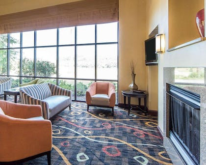 Lobby with fireplace | Comfort Suites Kodak Sevierville
