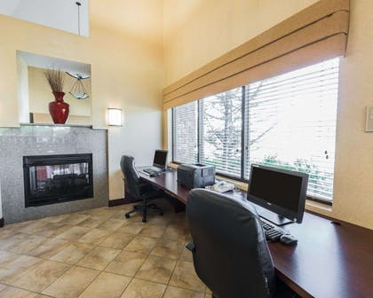 Business center with free wireless Internet access | Comfort Suites Kodak Sevierville
