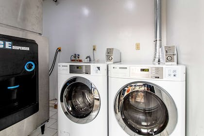 Guest laundry facilities | Rodeway Inn & Suites