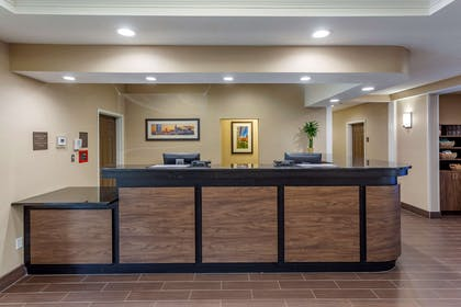 Lobby with sitting area | Comfort Suites