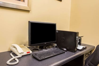 Business center with high-speed Internet access | Comfort Suites Kingsport