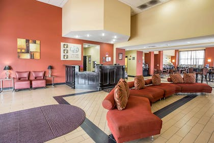 Lobby with sitting area | Comfort Suites Kingsport