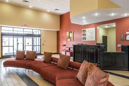 Spacious lobby with sitting area | Comfort Suites Kingsport
