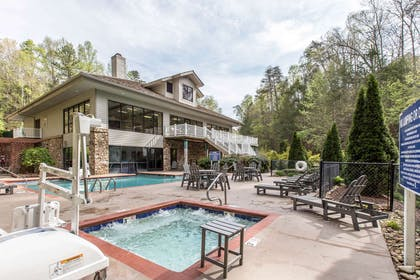 Outdoor pool with hot tub | Bluegreen Vacations Mountain Loft, Ascend Resort Collection