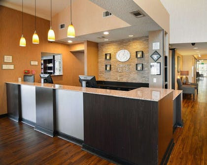 Front desk | Comfort Suites DFW Airport