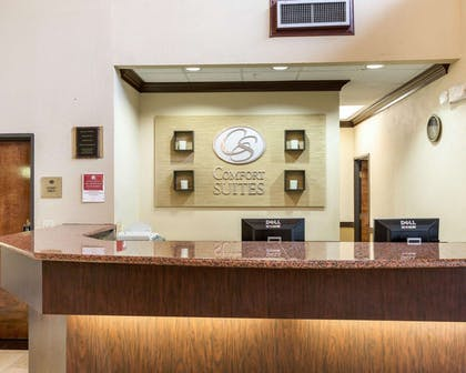 Front desk with friendly staff | Comfort Suites Bush Intercontinental Airport