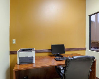 Business center | Comfort Suites Bush Intercontinental Airport
