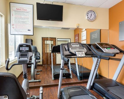 Fitness center | Comfort Suites Bush Intercontinental Airport